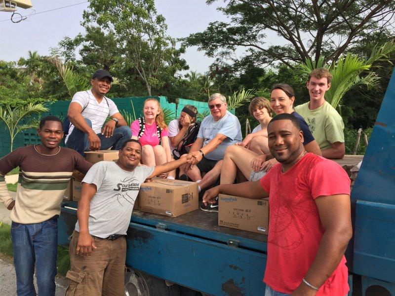 Food distribution crew